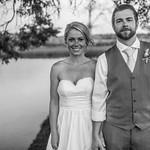 Destination Wedding: Ashley & Logan in Bend, Oregon